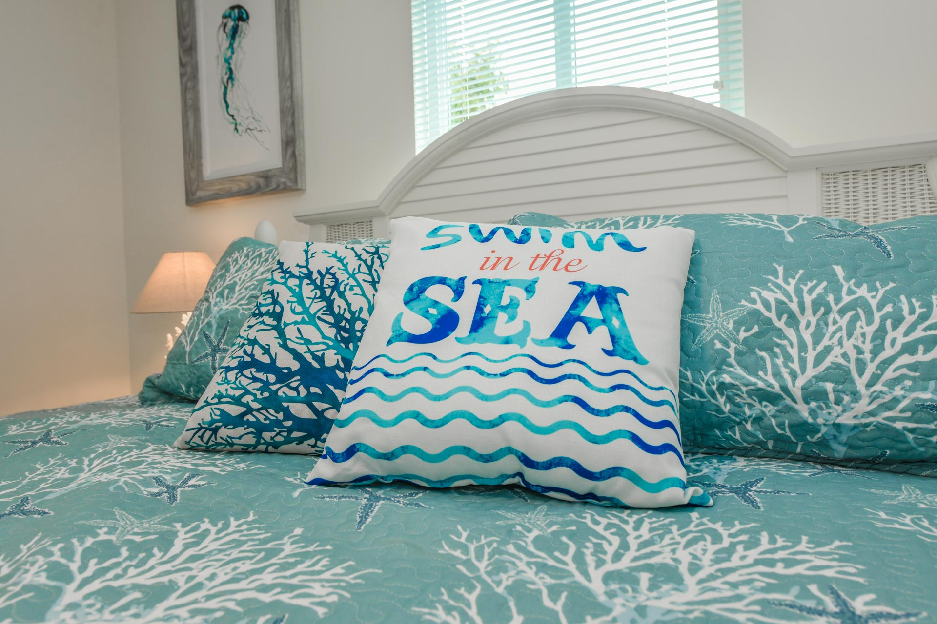 Relax after a day at the beach on a cozy king size bed