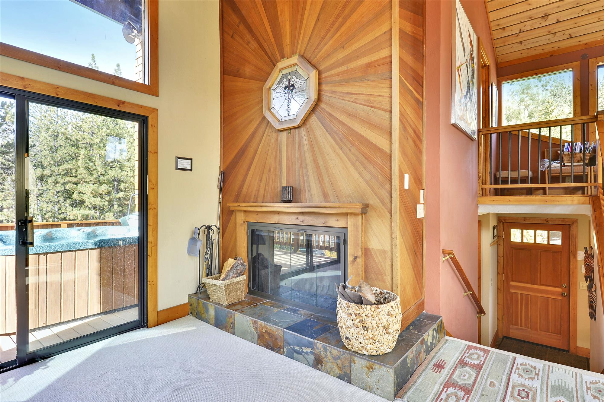 Upper Level,Fireplace,