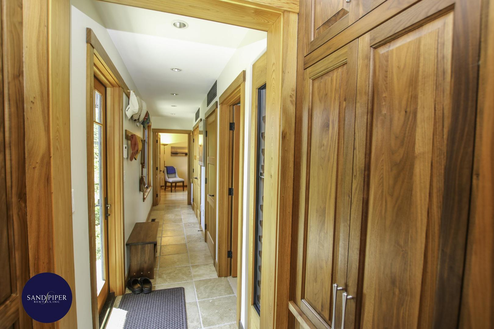 Hallway to BR2 and BR3
