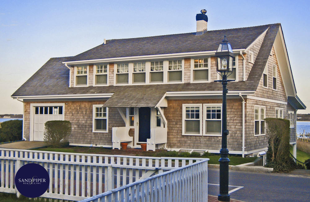Bay view vacation home rental in Edgartown, MA with 4 bedrooms Marthas Vineyard