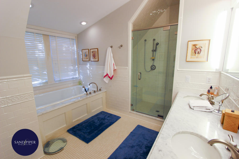 BR2 Master Bath, separate shower and tub