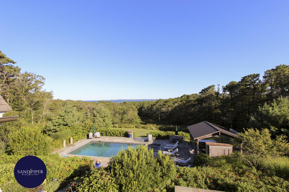Luxury Vacation Home with pool/fitness center and 6 bedrooms in Marthas Vineyard
