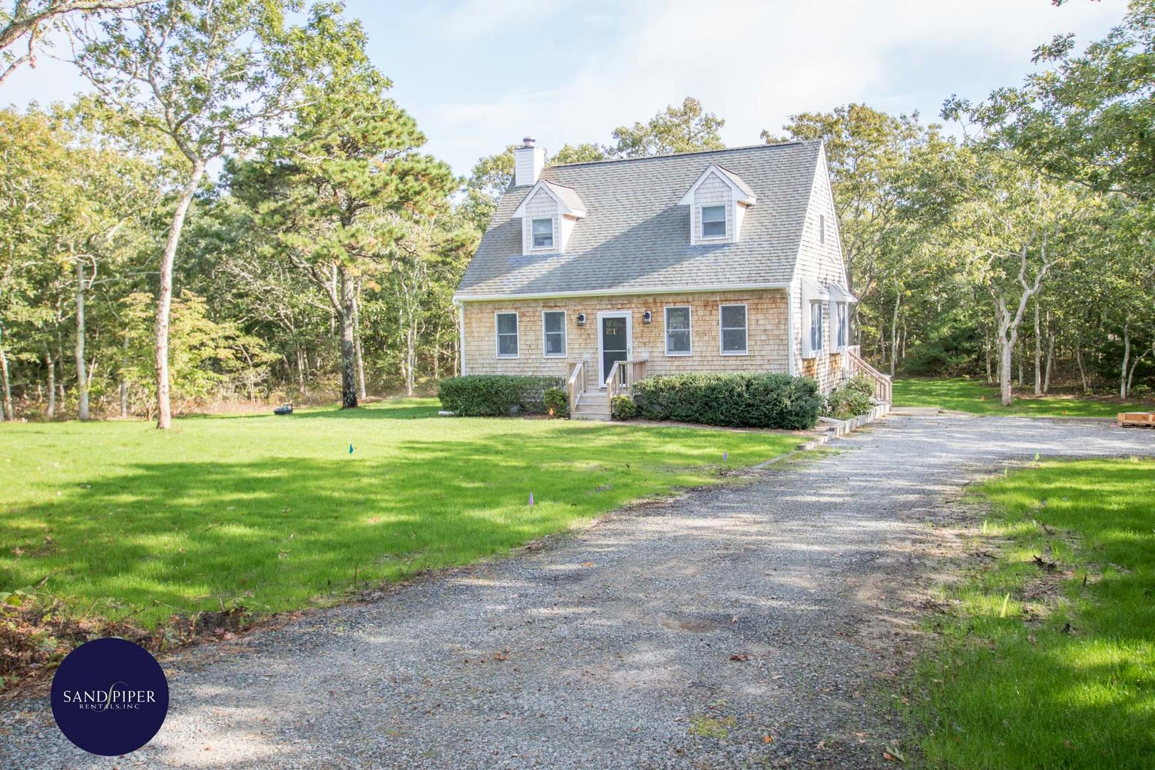 Vacation Home for Rent in Marthas Vineyard with 3 bedrooms near downtown Edgartown