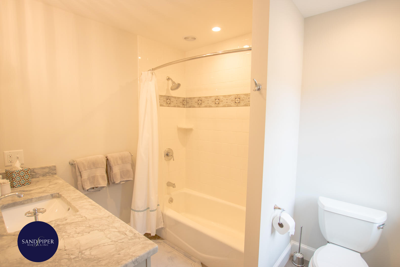 BR4 bath shower and tub combo