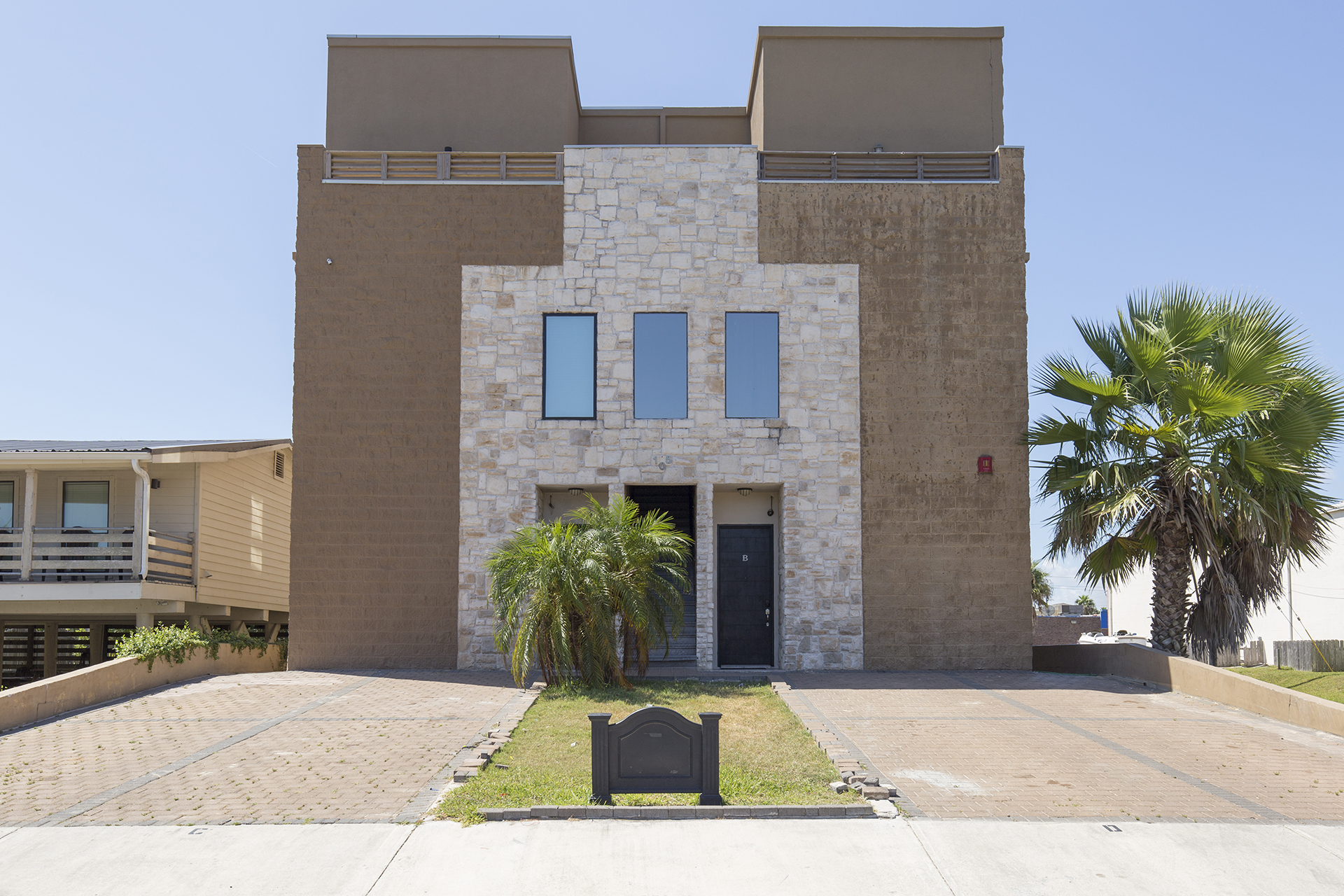 3 bedroom vacation rental in South Padre Island, TX walk to the beach