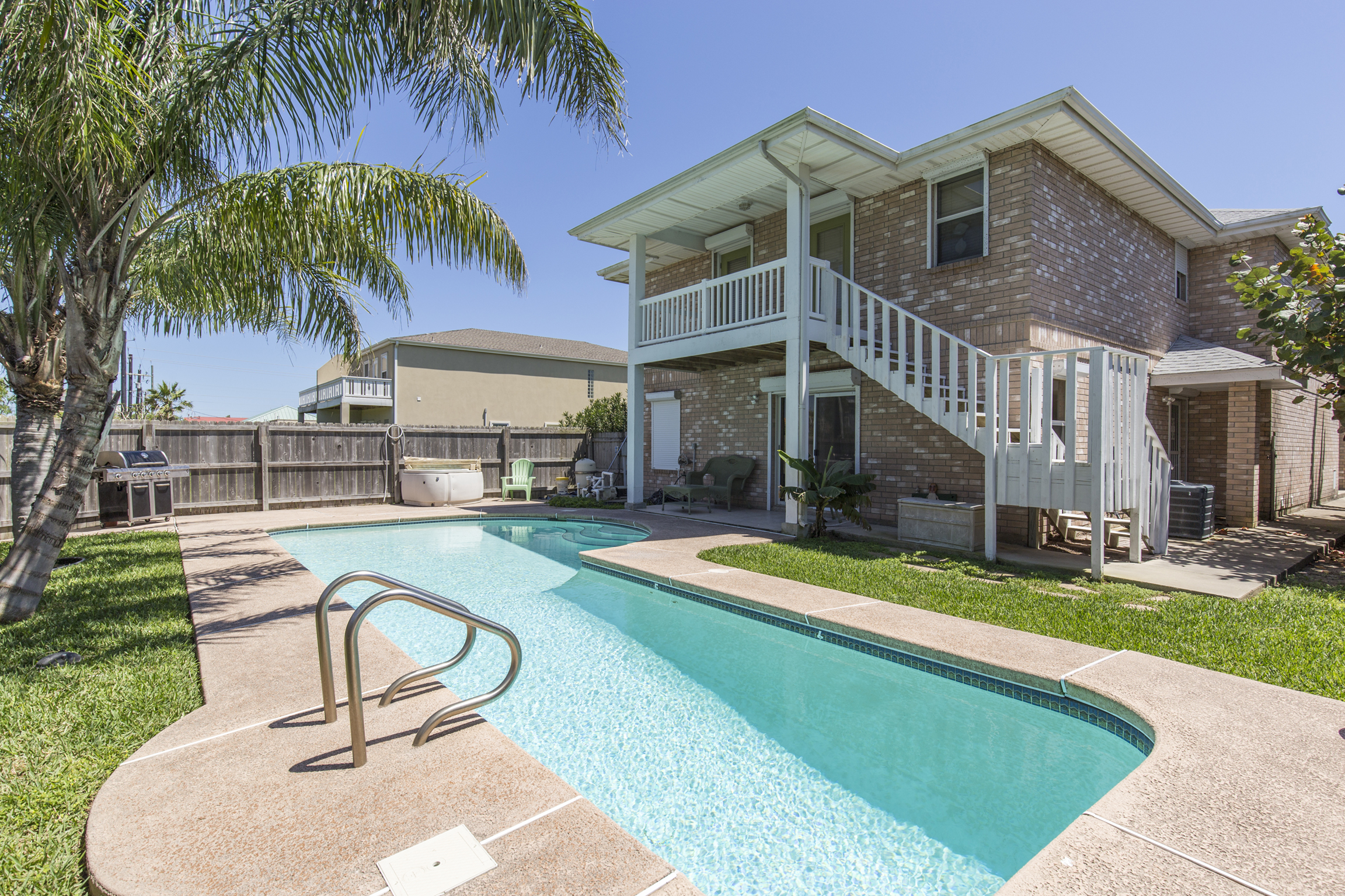 South Padre Island house for rent on vacation with pool and hot tub close to beach and bay