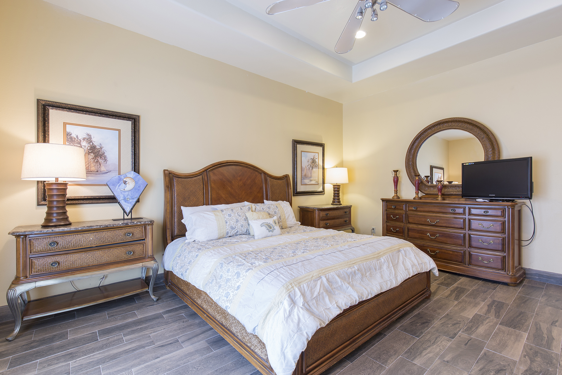 Elegant Master Suite with King bed and flat screen Tv.