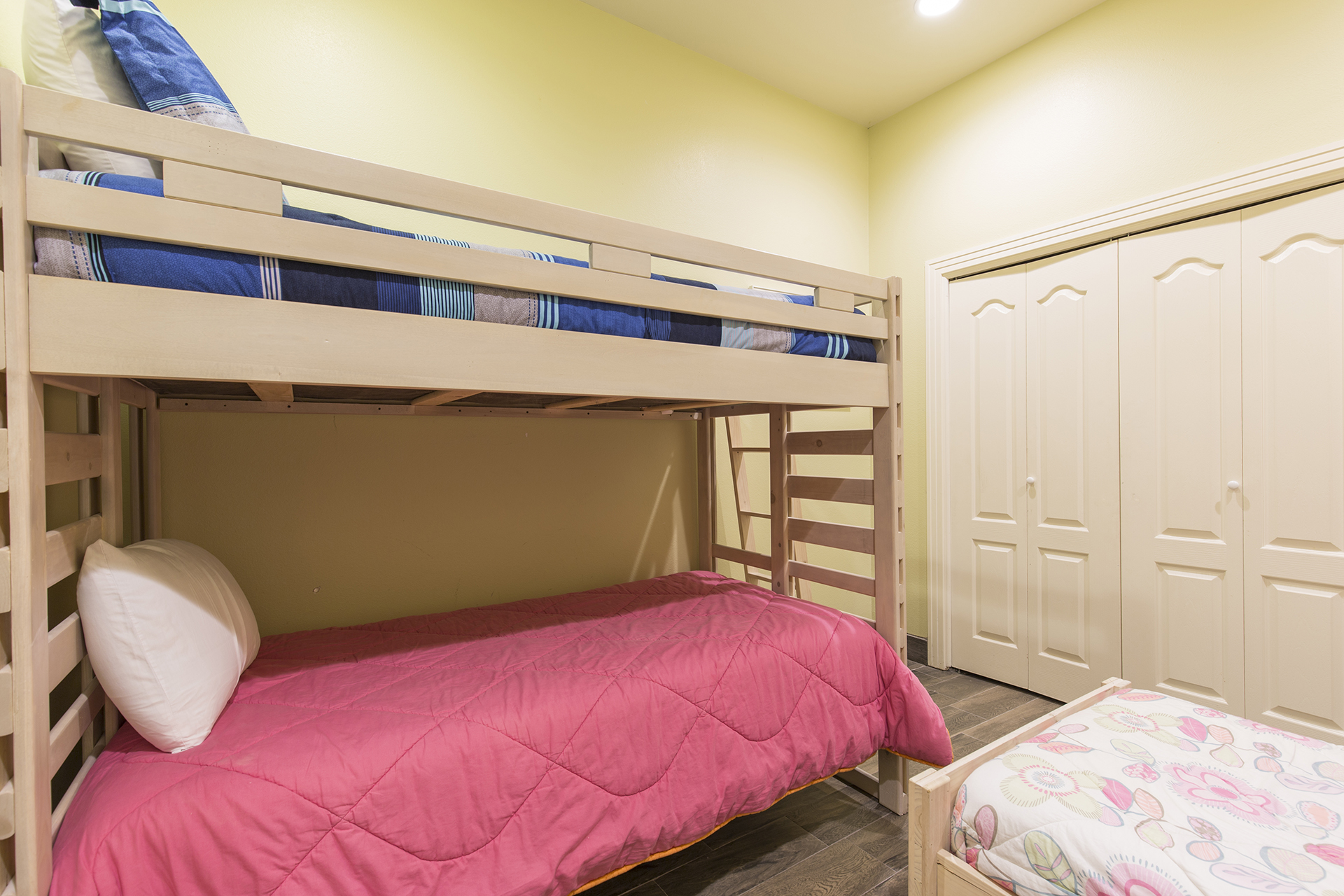 Guest room with two sets of bunk beds