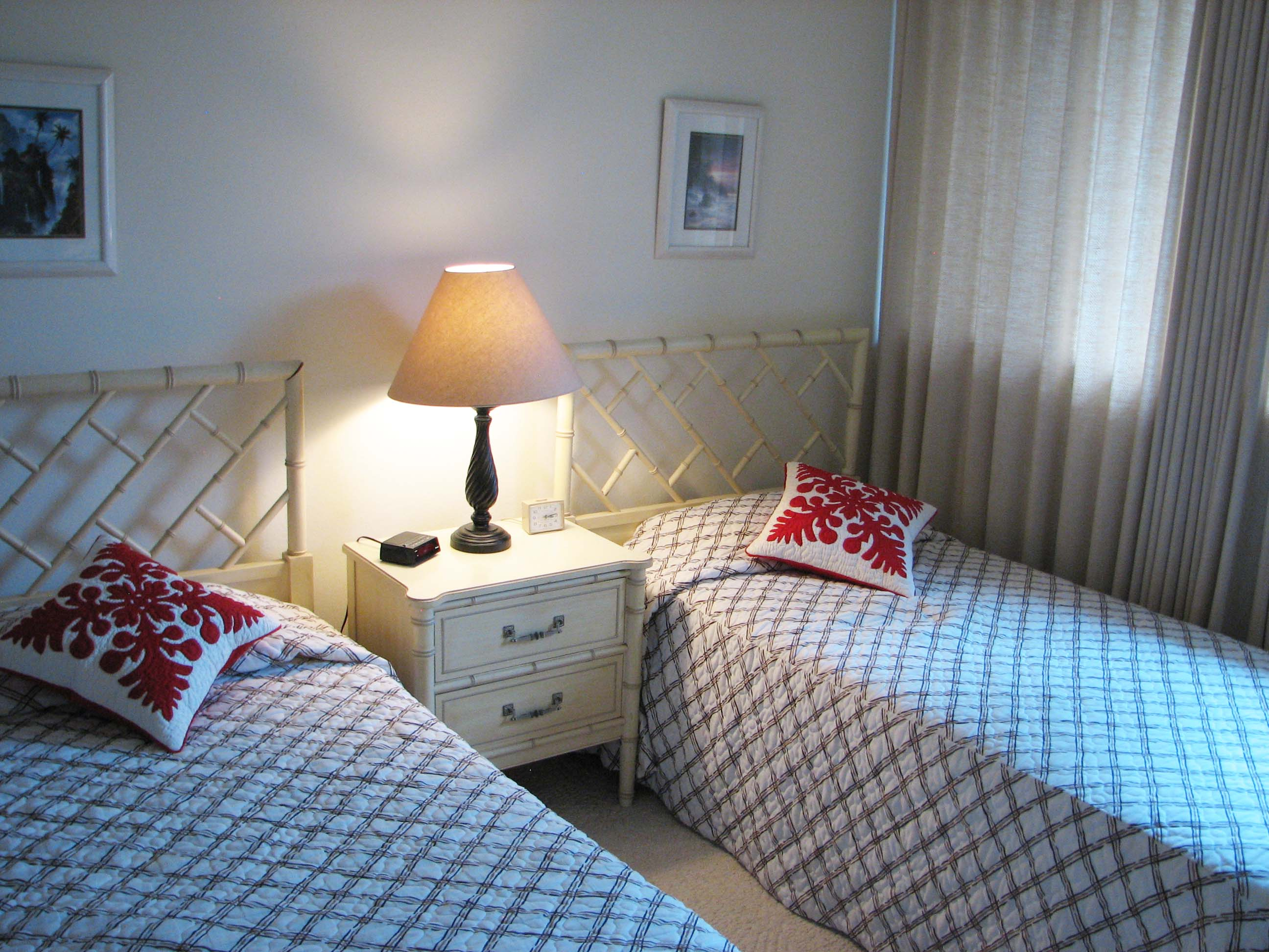 Twin (singles) in the second bedroom