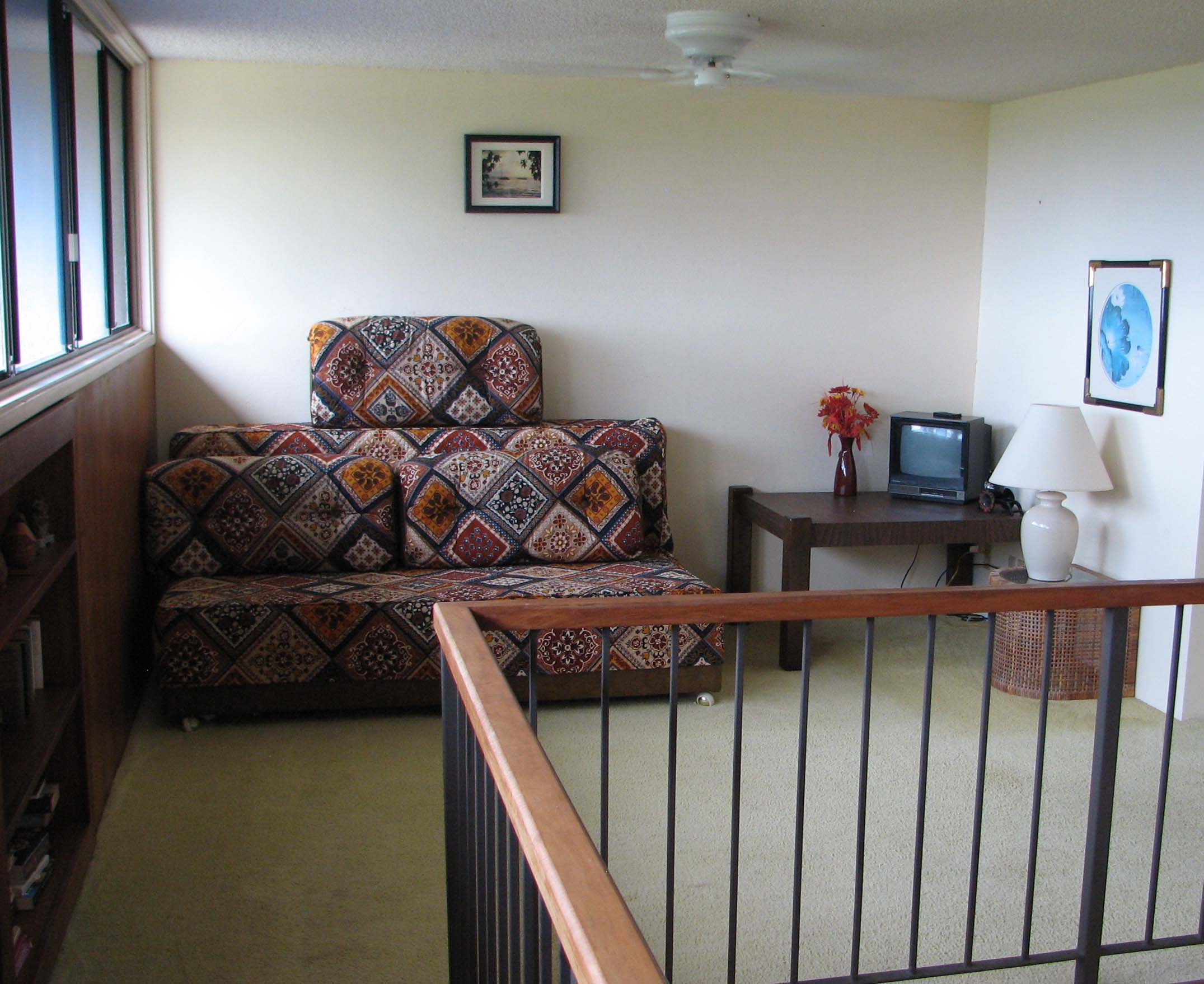 Upstairs loft with 2 more twin beds.