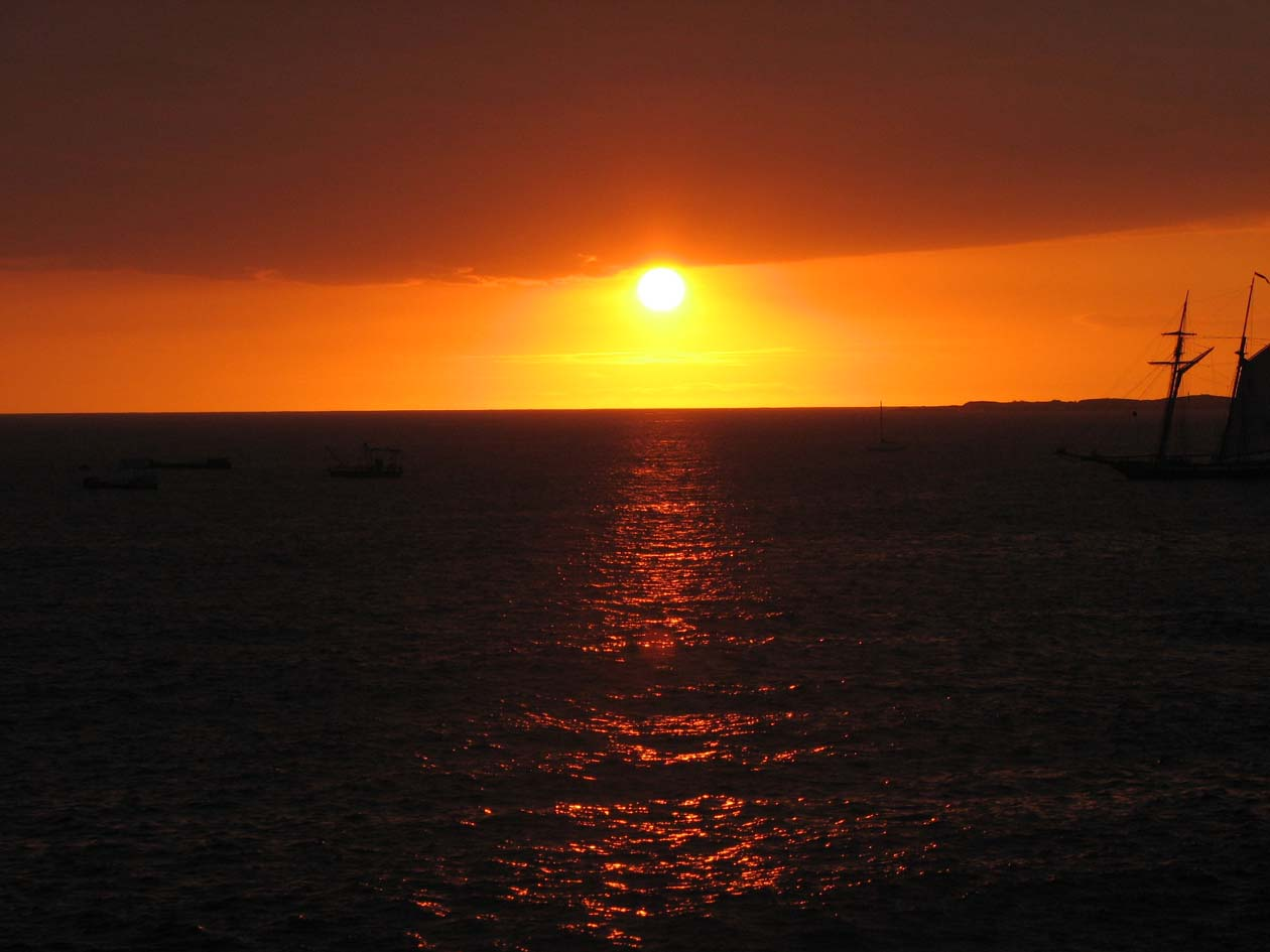 Amazing sunsets from Hale Kona Kai 213 maybe you will catch the green flash!