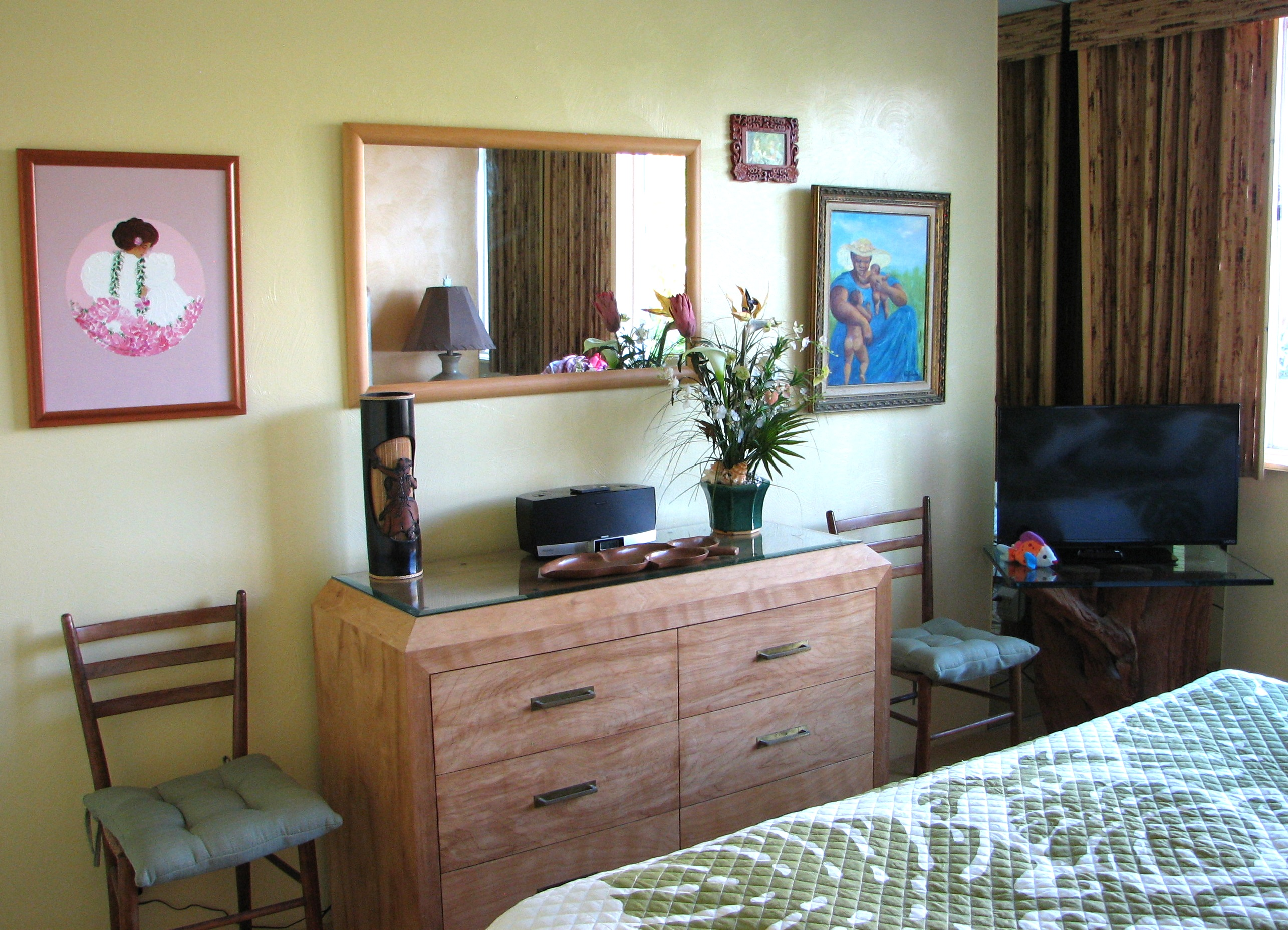 Cable TV and plenty of storage inyour private master bedroom.