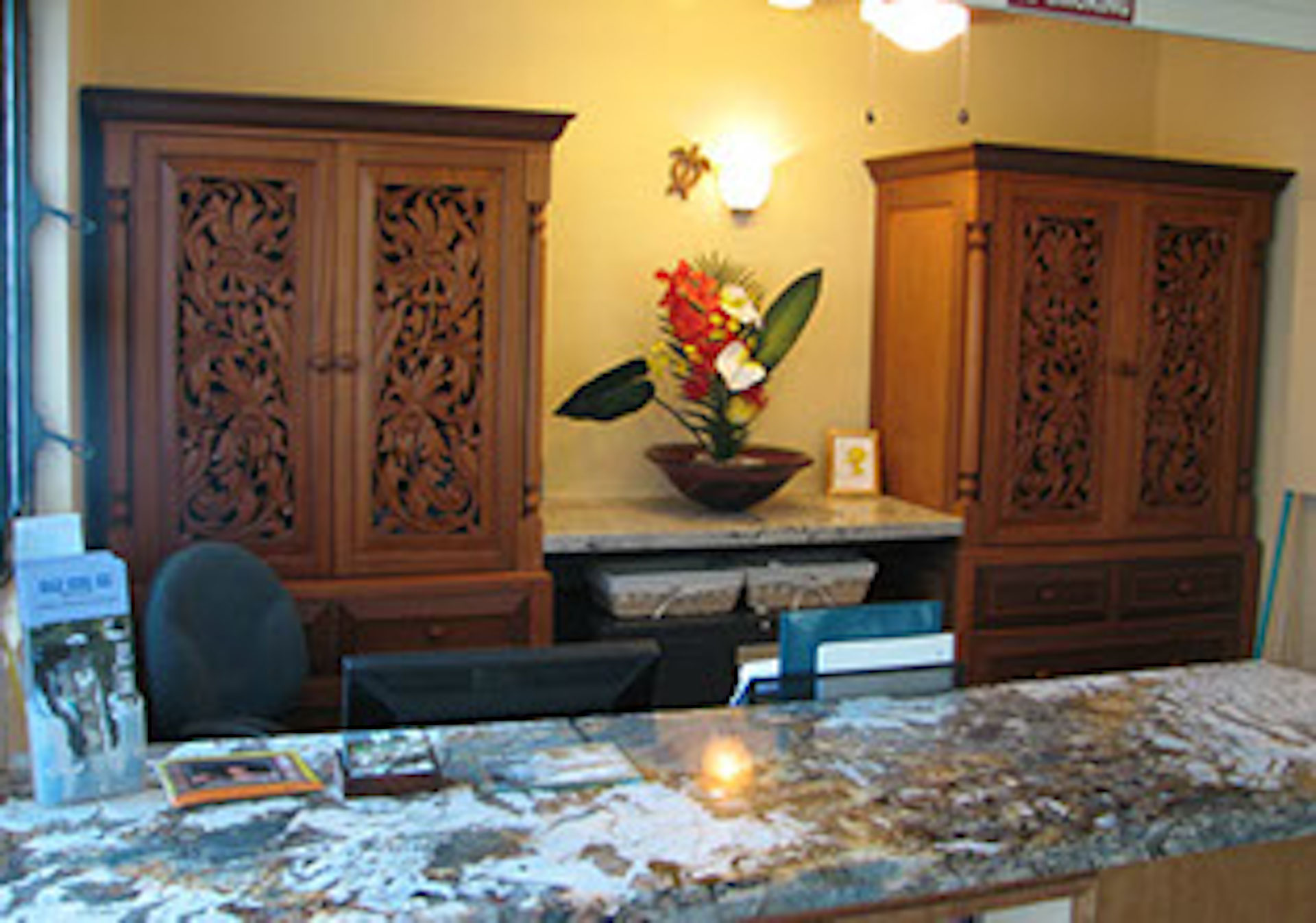 Our oceanfront Kona Now office ready to welcome you!