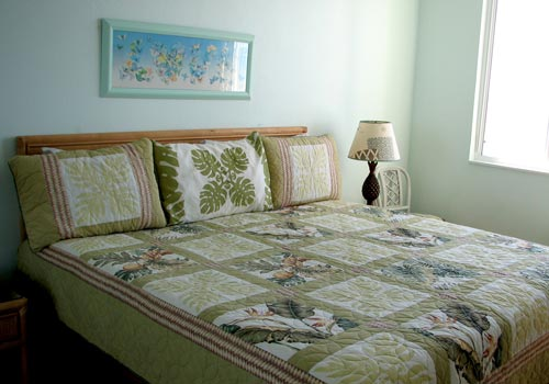 King bed in your oceanfront bedroom,let the wave lull you to sleep.