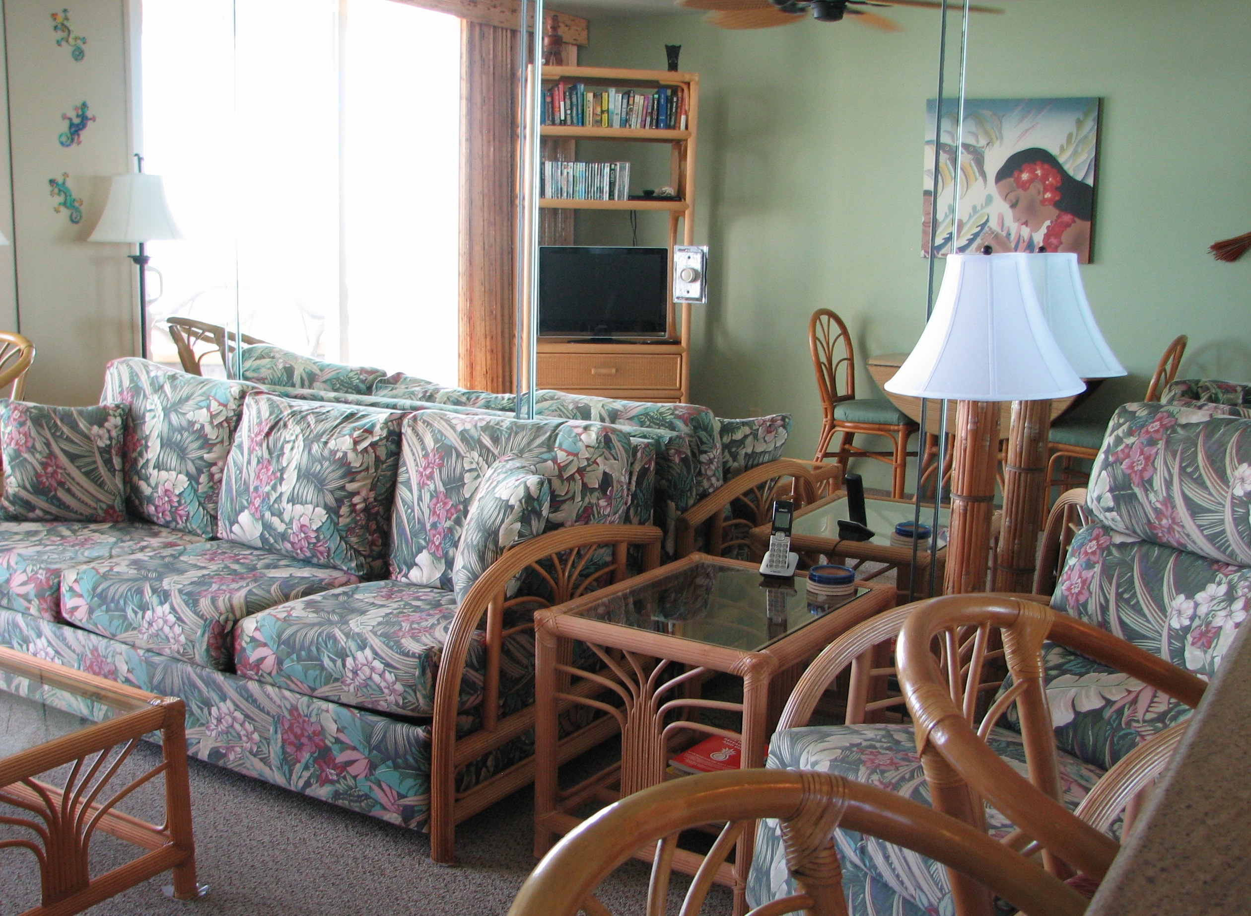 Tropical sofa set including a recliner in your oceanfront living room.