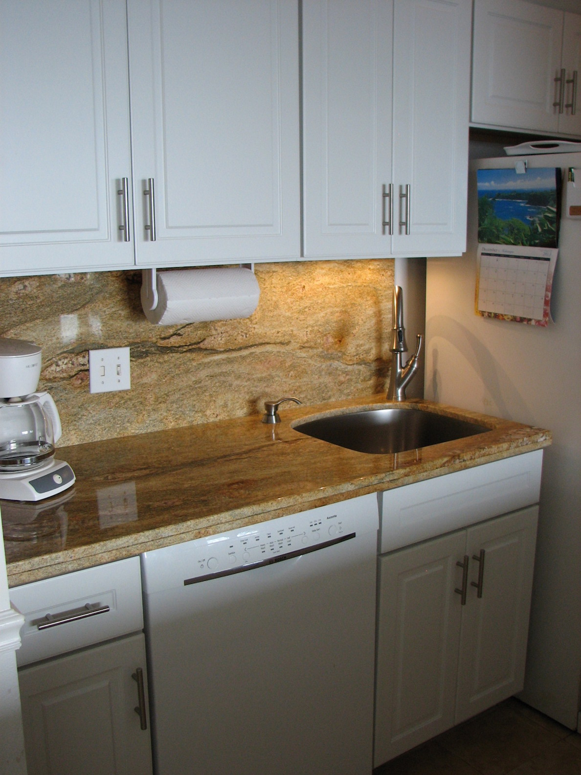 Brand new remodeled granite kitchen. Absolute oceanfront view for the chef.