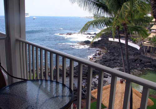 Dine lagoon front on your lanai and enjoy turtles swimming in the lagoon below.