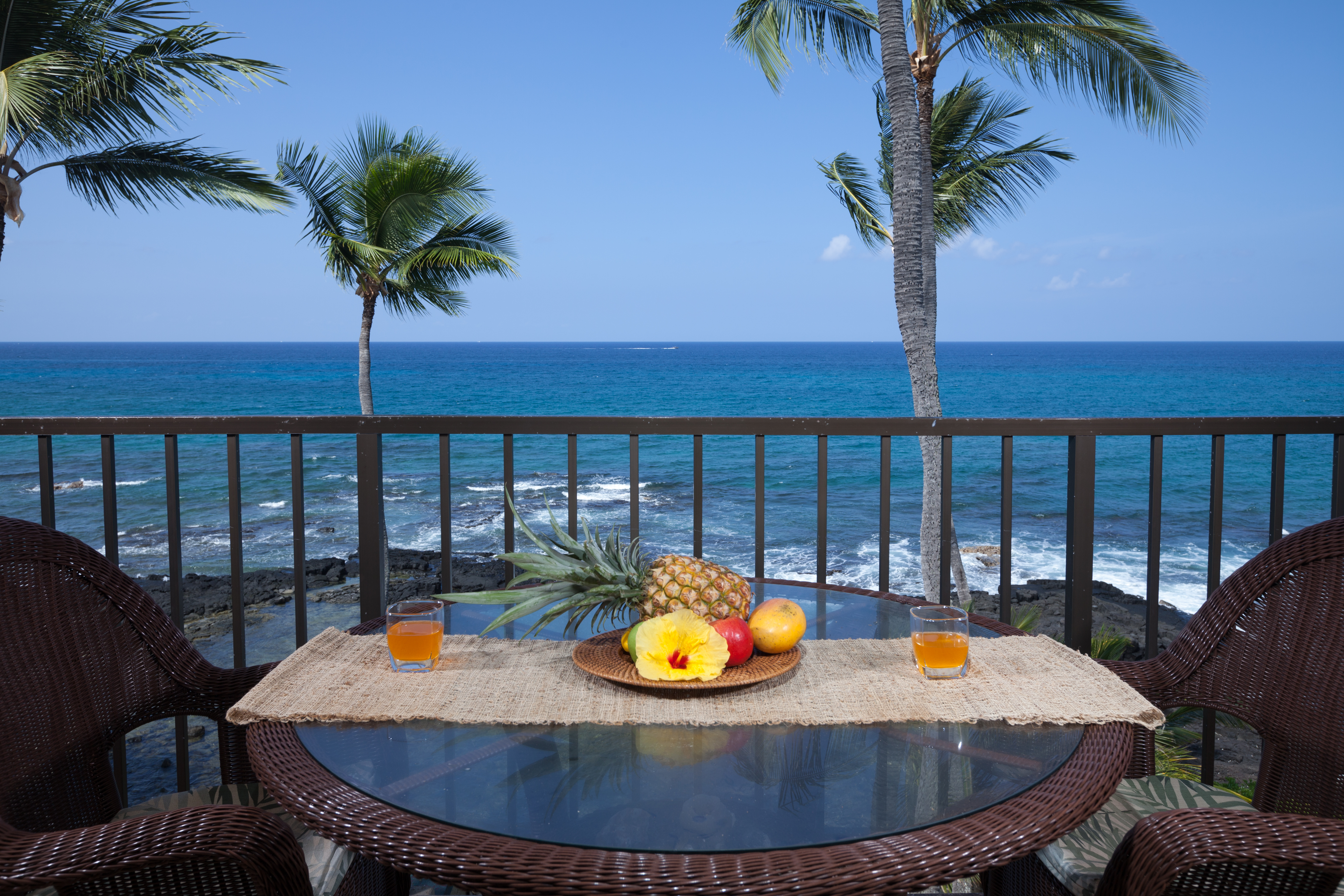 Absolute oceanfront lanai - year round sunset viewing.