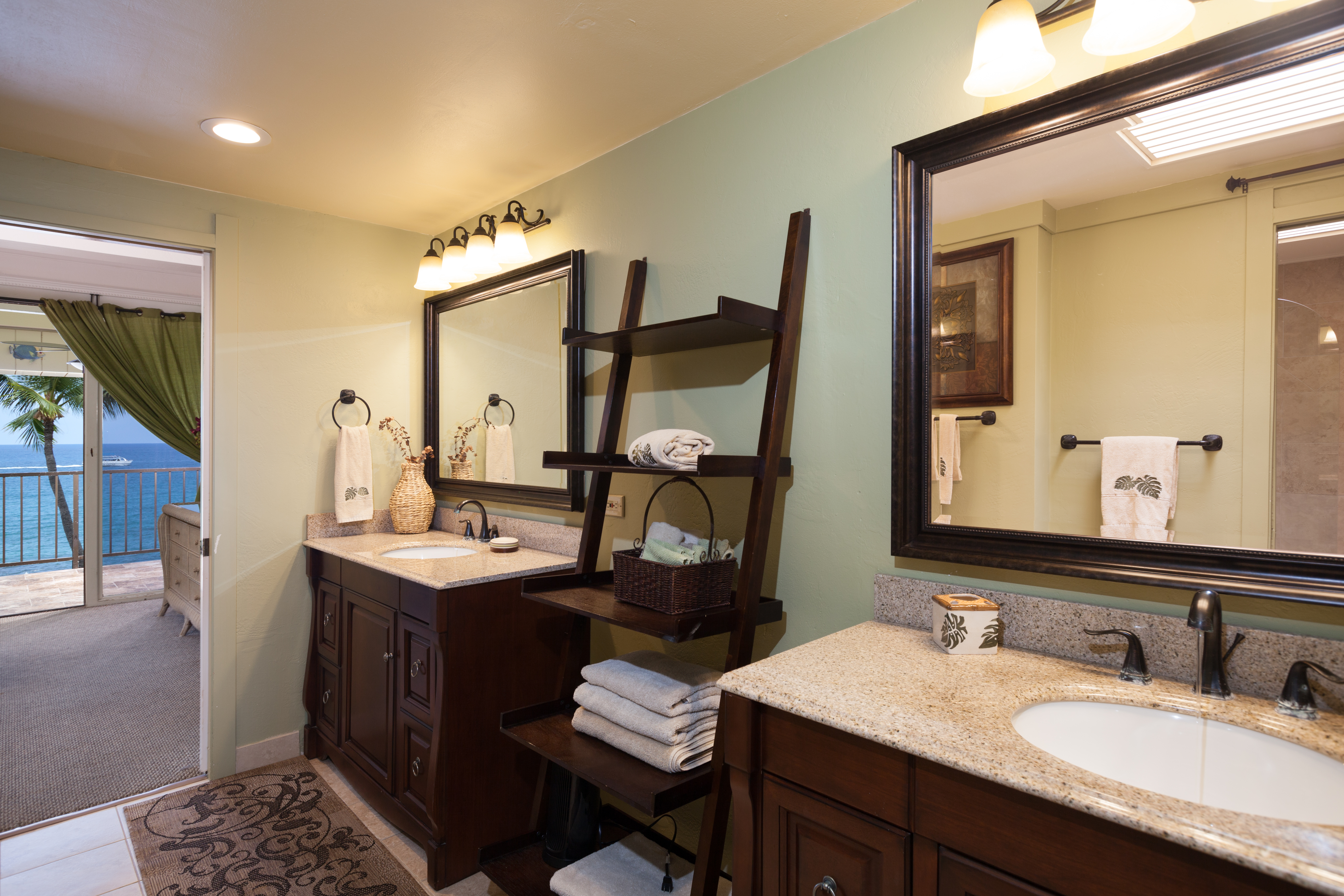 Oceanfront king master ensuite bathroom with walk in shower.