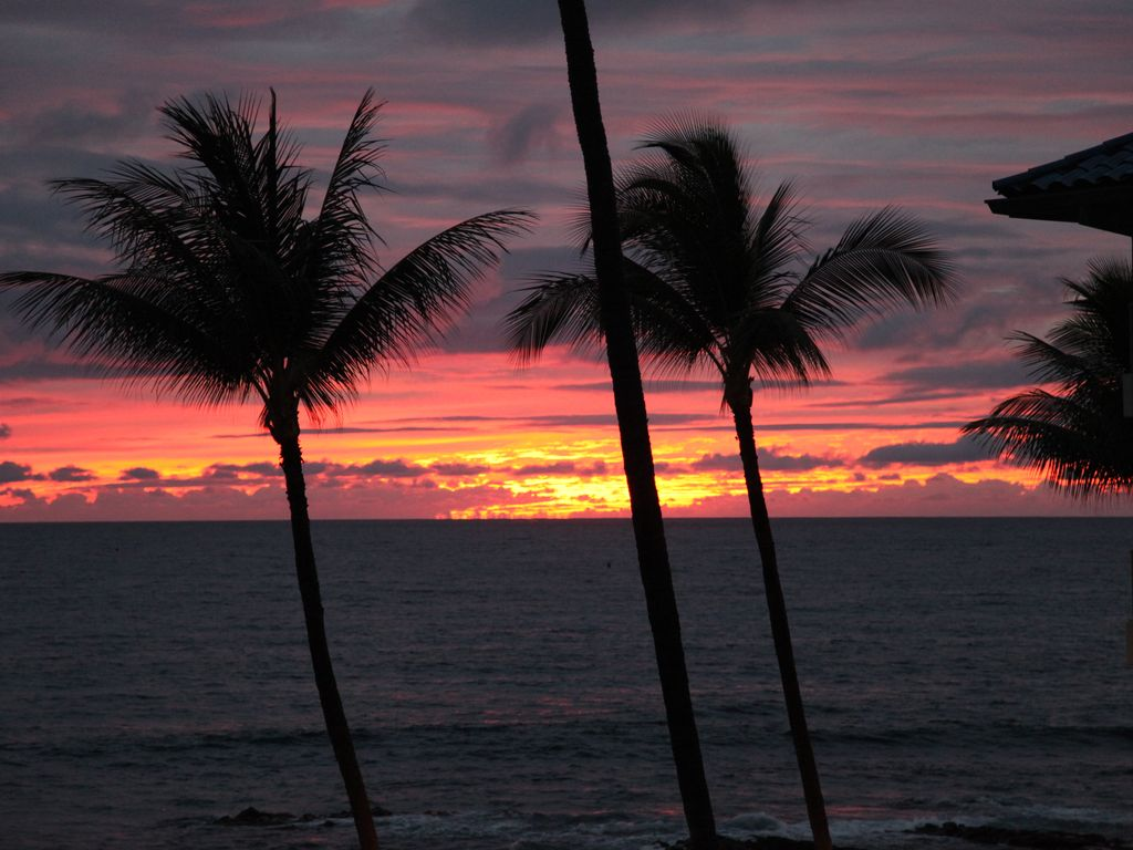 Sunset from your lanai, a perfect way to end any day!!!