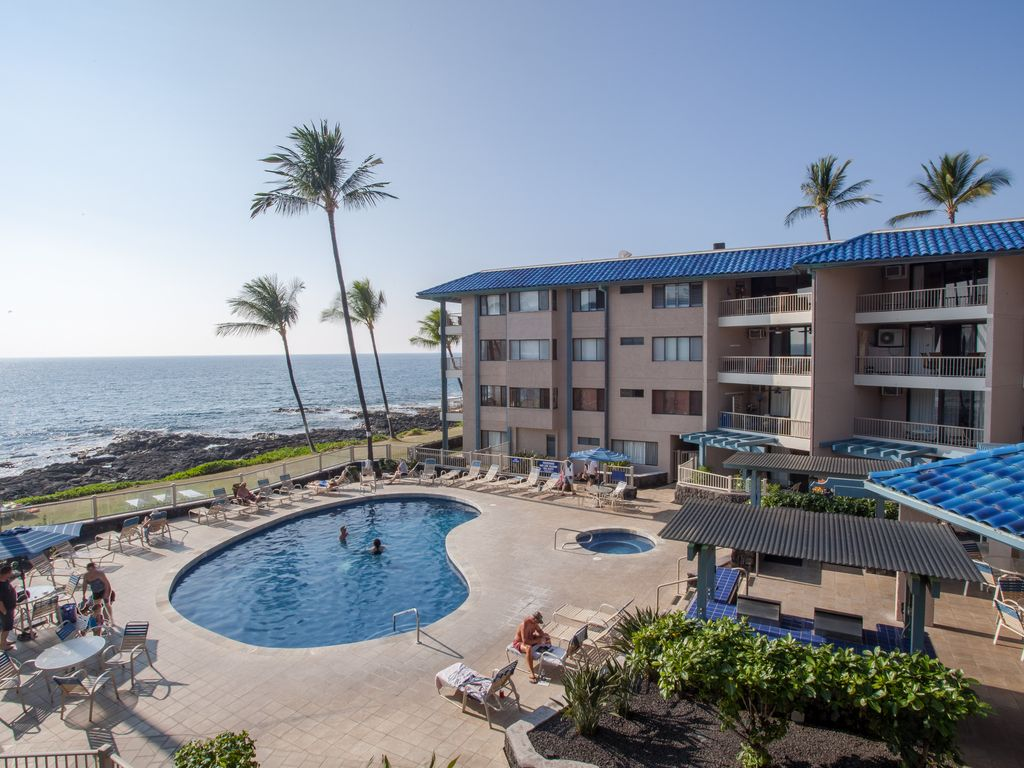 A wonderful pool and oceanview that never gets old.