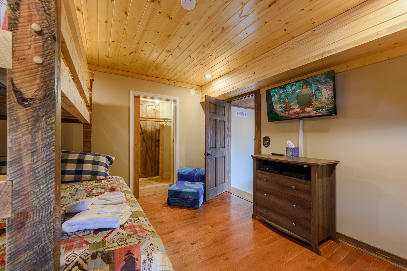 Downstairs Bunk Room with 2 Custom Bunk Beds and HDTV