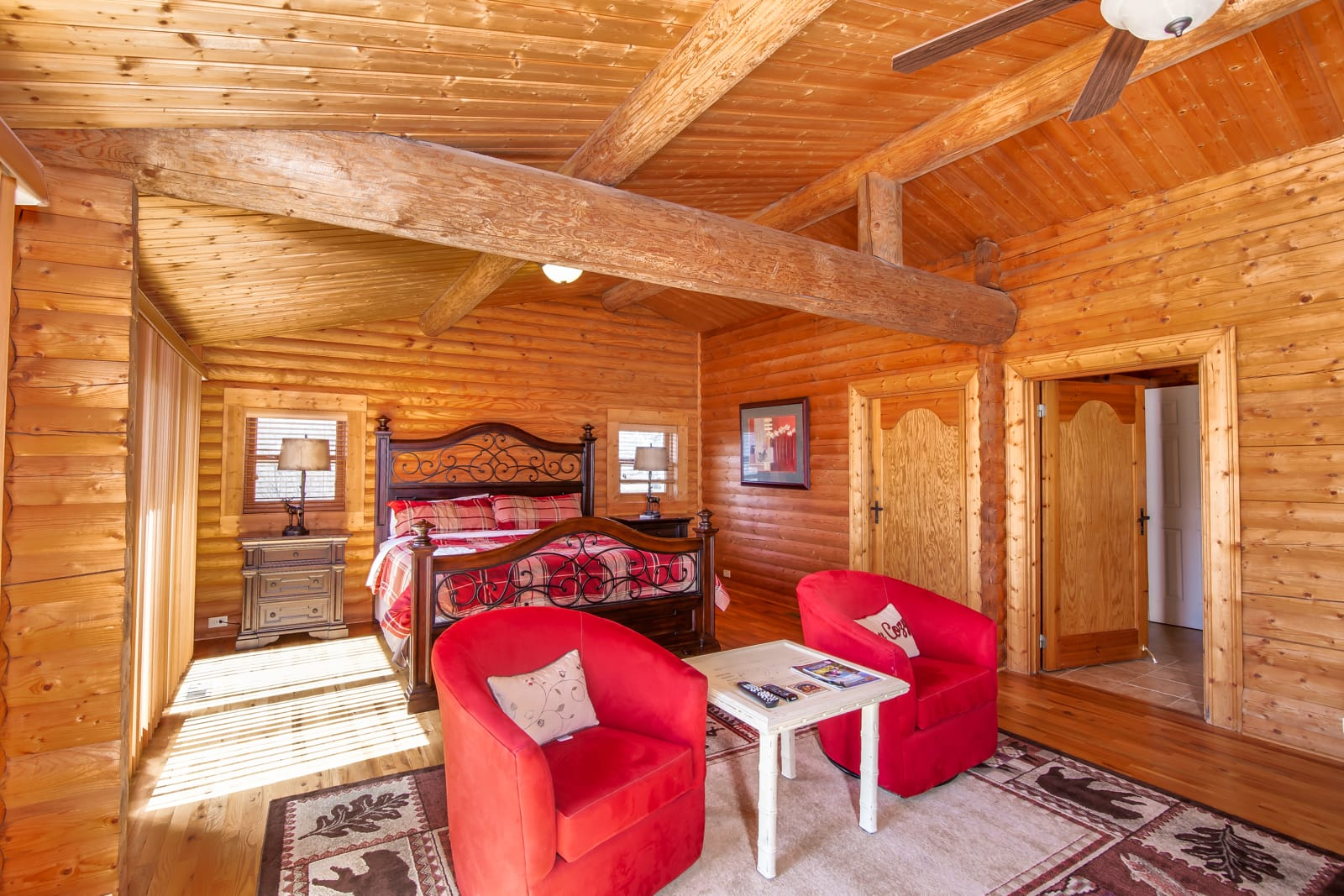 Big Sky Lodge King Master Suite on Main Level. Access to Deck.