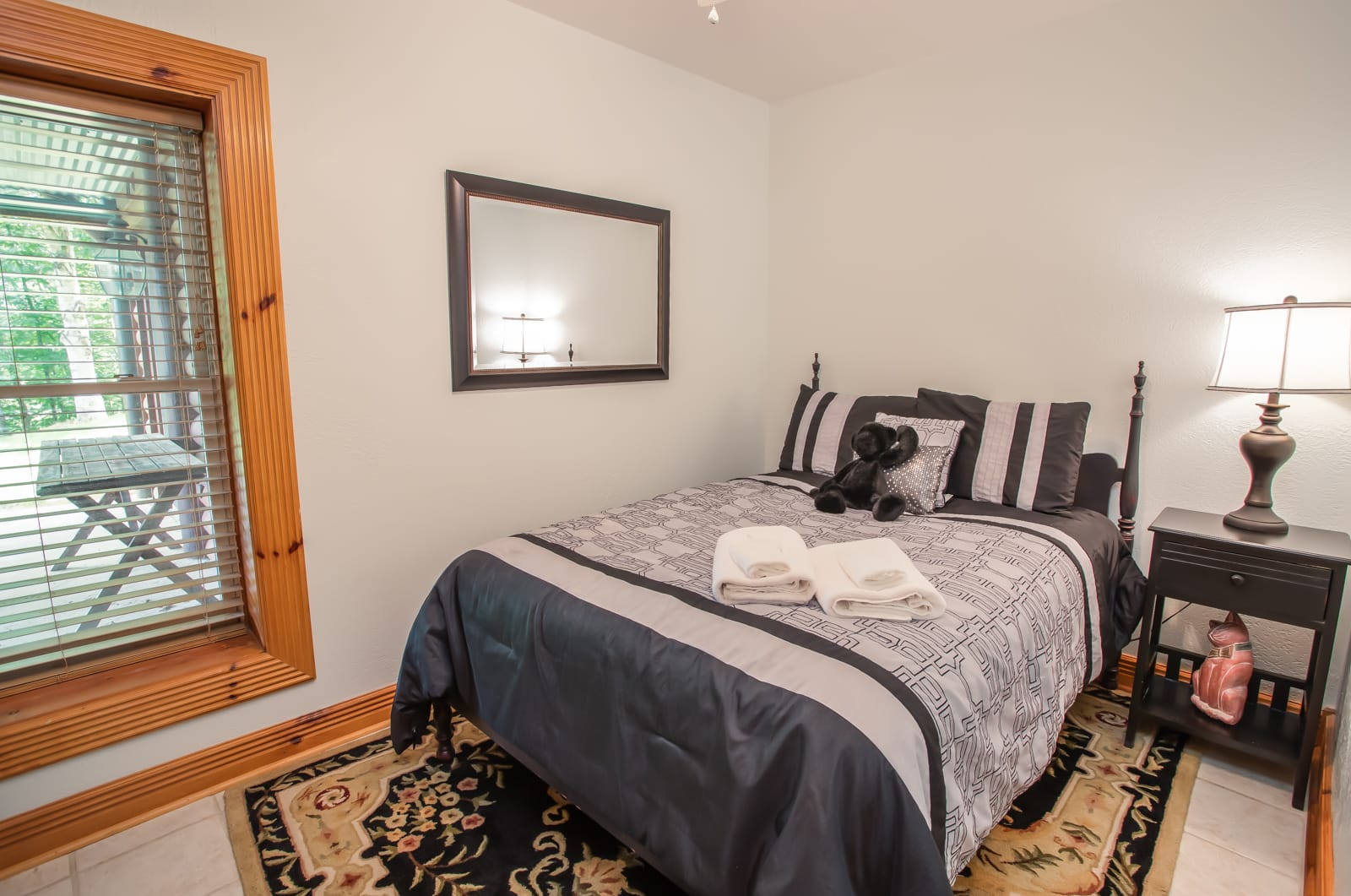 Seaforth Full Bed on Lower Level