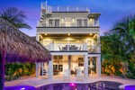 Lido Key Event home rental with 7 bedrooms that sleeps 25 close to beach and downtown