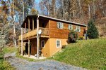 Purpose-built log cabin near the Shenandoah River in quiet, secluded setting