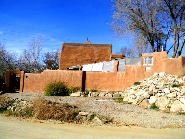 Adobe hacienda studio taos nm studio vacation house for Adobe hacienda house plans