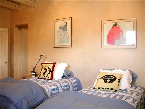 casa de los huesos 3 bedroom vacation house rental taos 10744 | taos house 3rd guest bedroom twins king gorman art 13