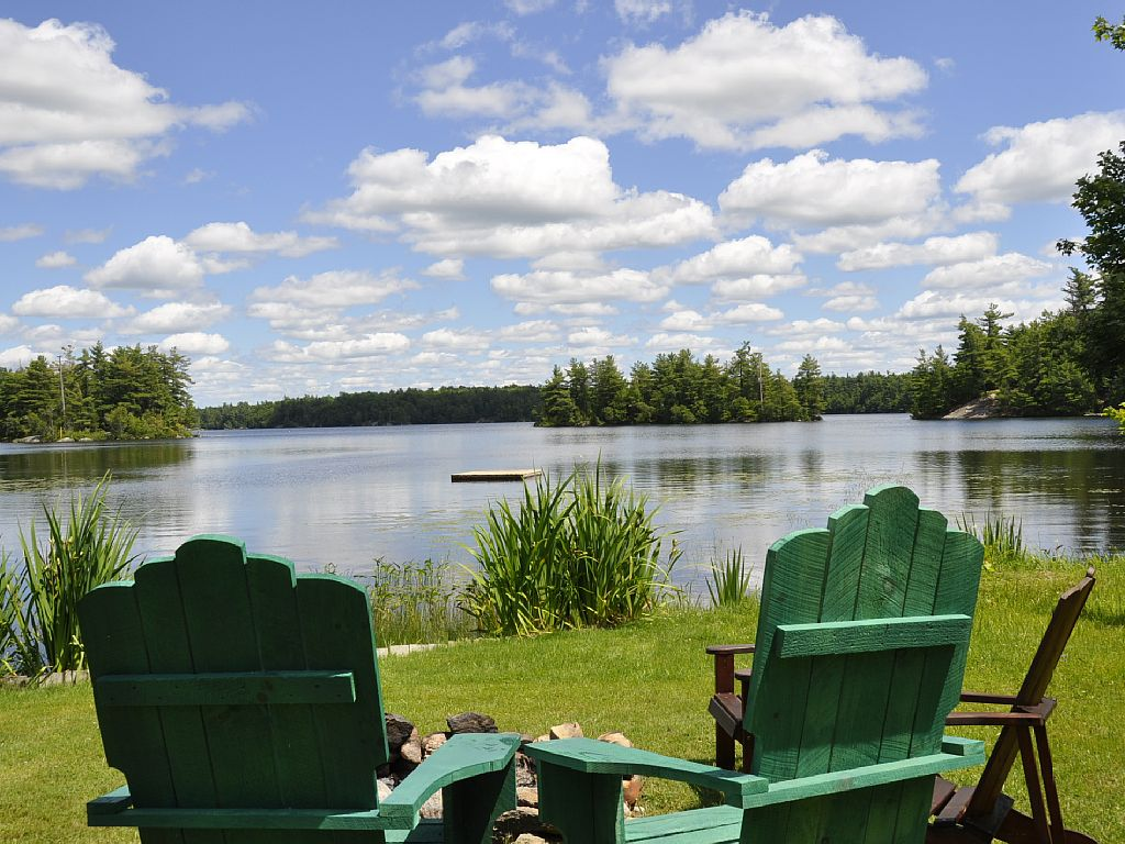 Great waterfront and views of the beautiful Trout Lake