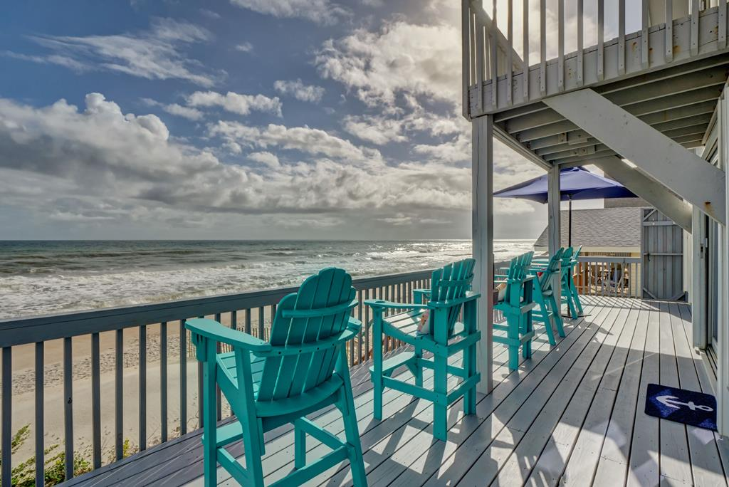 Lazy Susan's: Oceanfront 3 Bedroom Vacation Home Rental Surf City NC  (145914) - Find Rentals