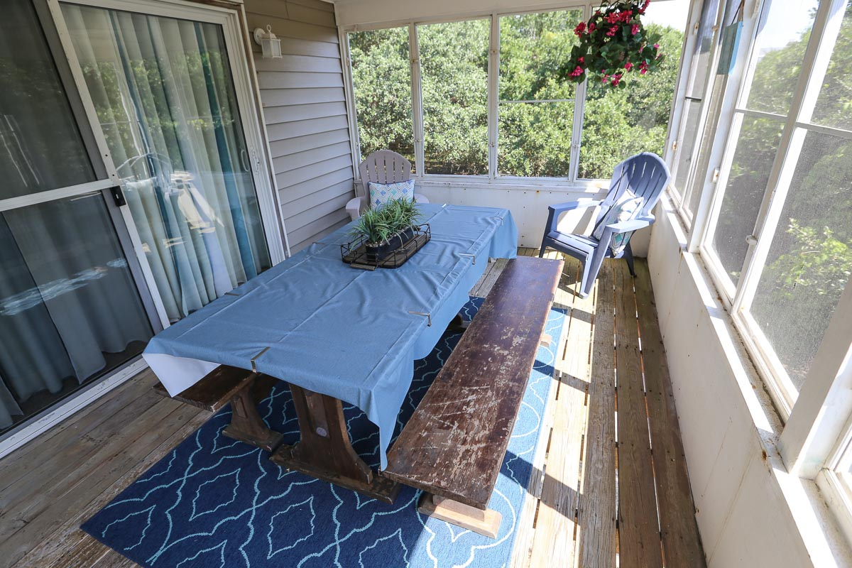 Screened in Porch 2019