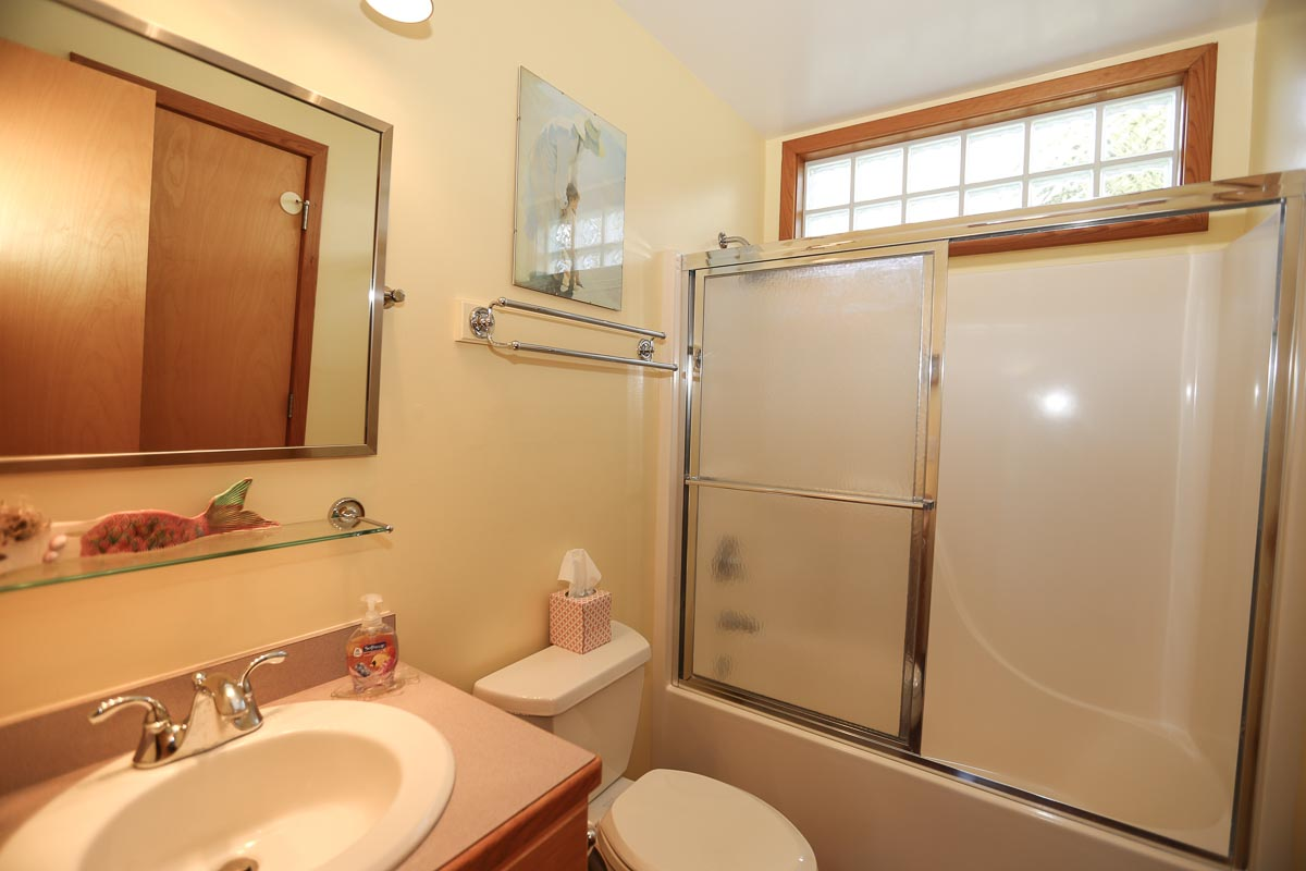 Bathroom 1 2019; Jack & Jill to Bed 1 and Hall