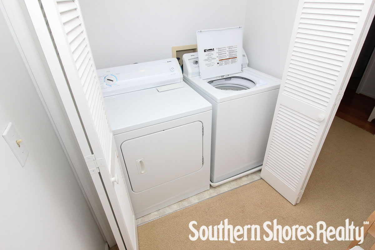 Laundry Area (in small bedroom)