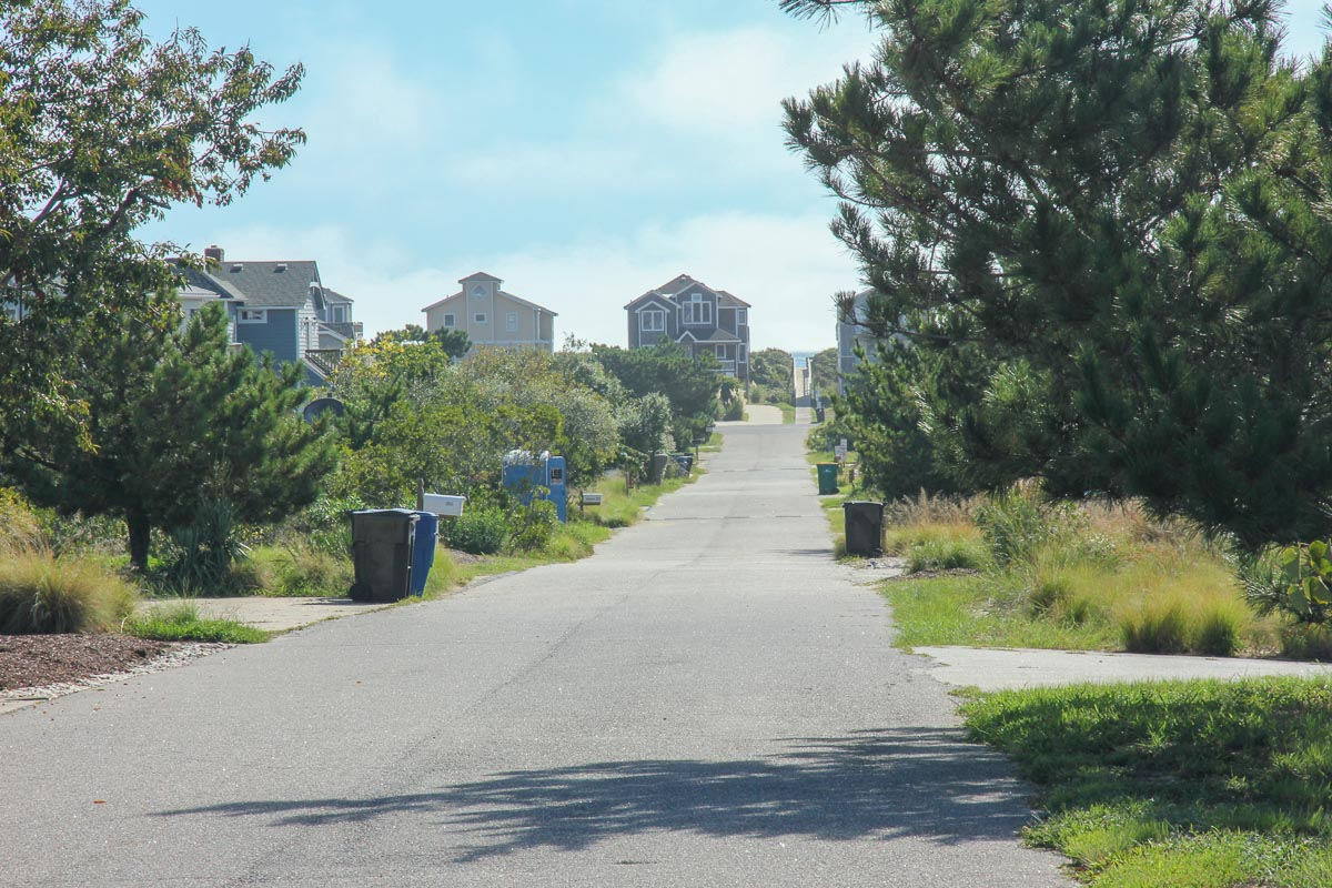 End of the driveway view to the beach 2019