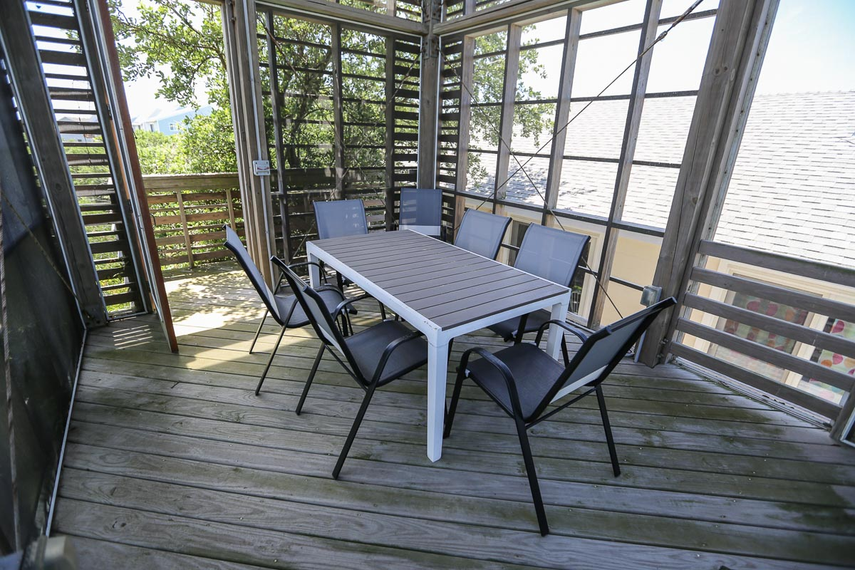 Screened Porch in tower 2019