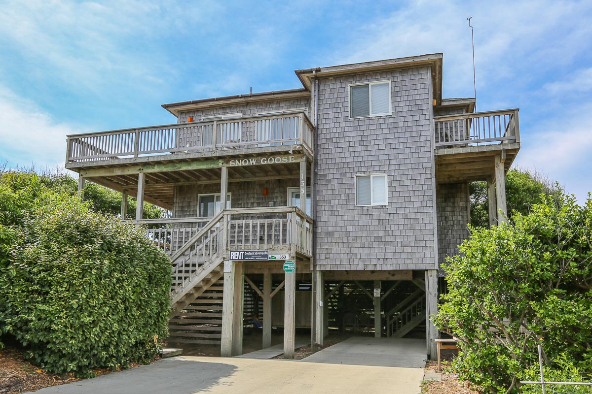 Oceanfront-Semi Outer Banks Vacation Rental 2016