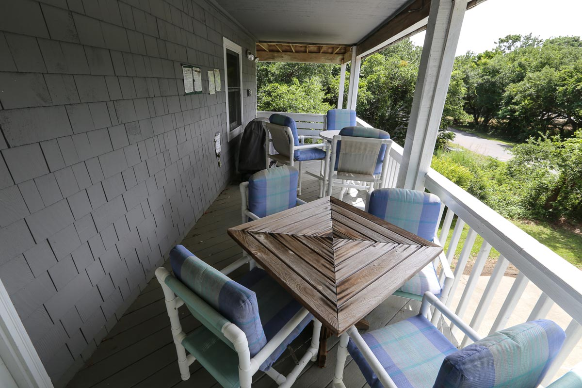 Mid level deck with grill 2019