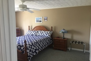 Queen size bed with new matteress in the fall on 2015