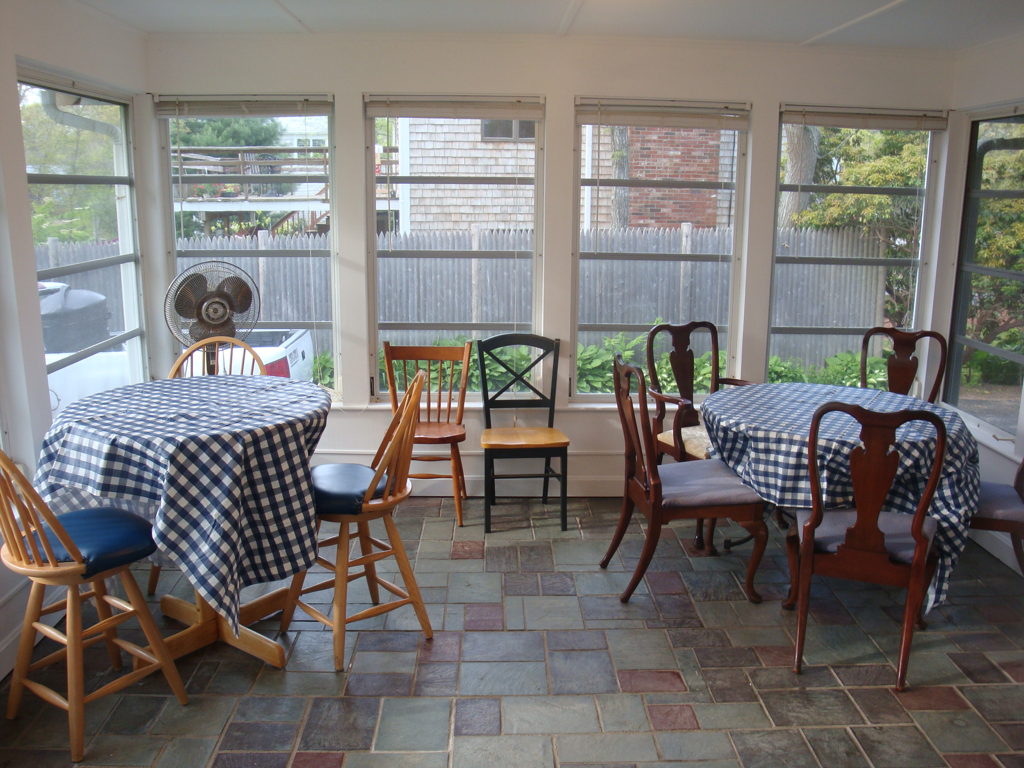 sun porch with dining & cable TV