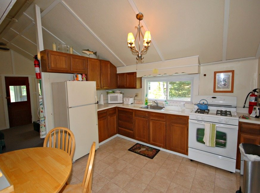 FR-485 Cones Point Rd – Cottage #1-Lake St. Catherine-Vermont-03