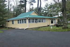 FR-485 Cones Point Rd – Cottage #3-Lake St. Catherine-Vermont-01