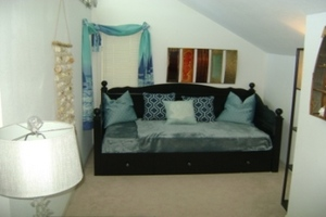Day Bed in Bedroom 3