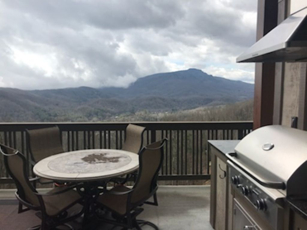 Grandfather Mountain View & Deck with Grill