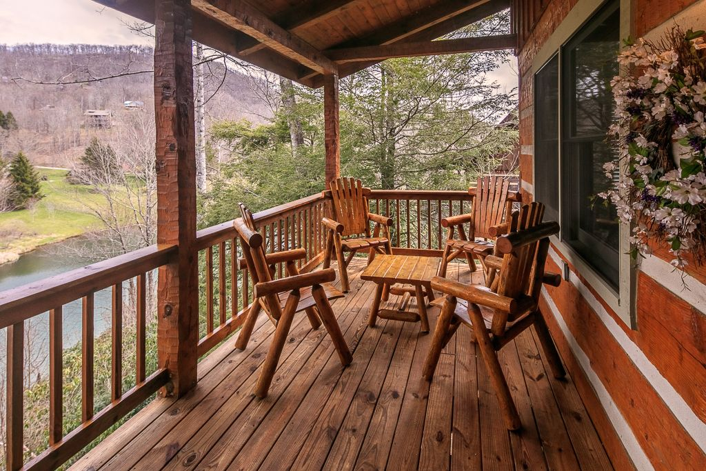 Cozy Bear Cabin Place To Stay On Vacation 4 Bedroom 3