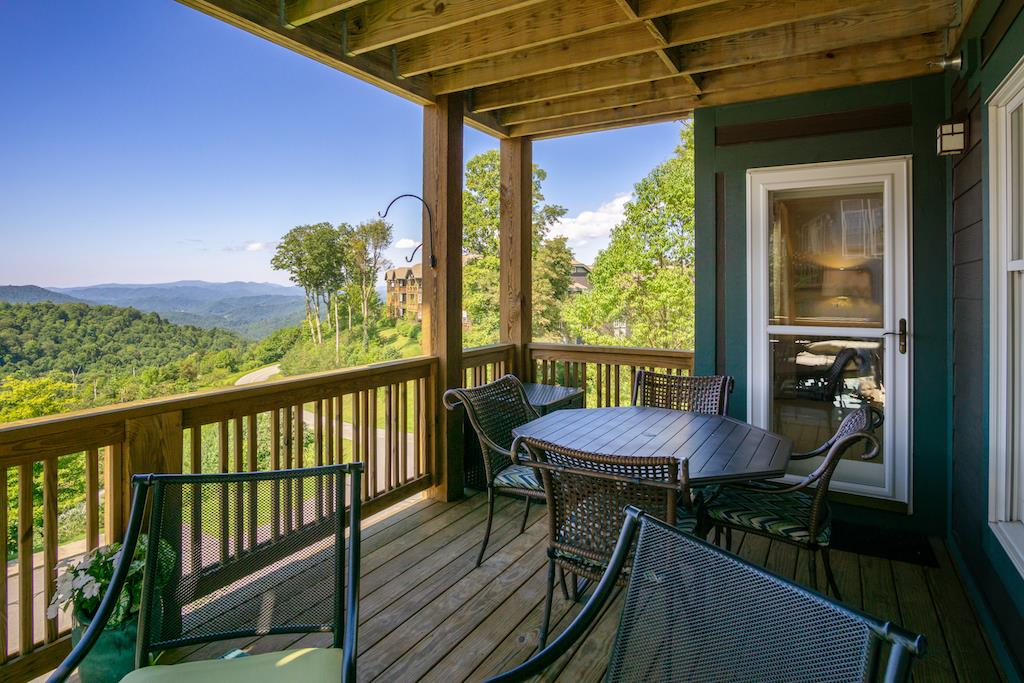 Mountain View and Deck Area