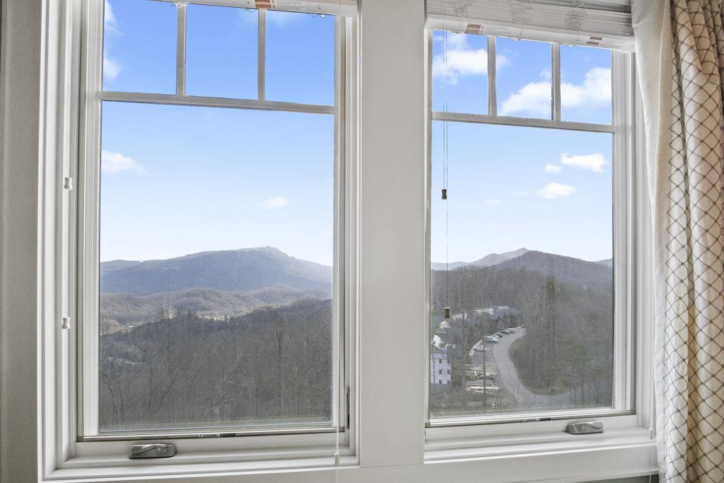 Master Bedroom--- Grandfather Mountain View